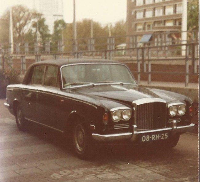Rolls royce silver shadow straatbeeld jaren 70 80 for Auto interieur reinigen rotterdam